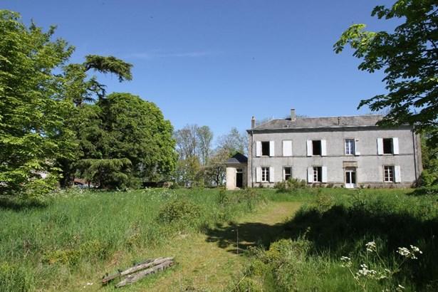 Entre Cholet Et Bressuire - FRA (photo 2)