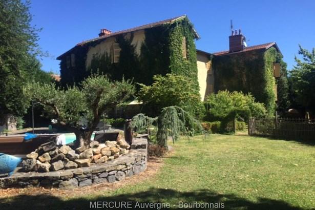 Cournon D'auvergne - FRA (photo 1)