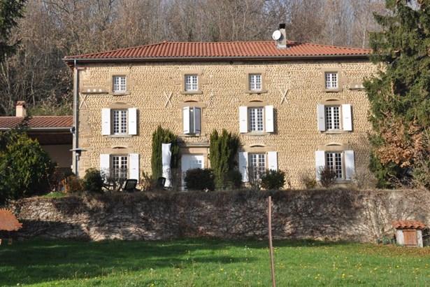 Beaurepaire - FRA (photo 2)