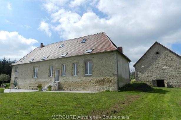 St Eloy Les Mines - FRA (photo 1)
