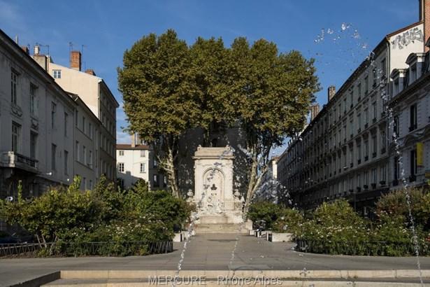 Lyon - FRA (photo 2)
