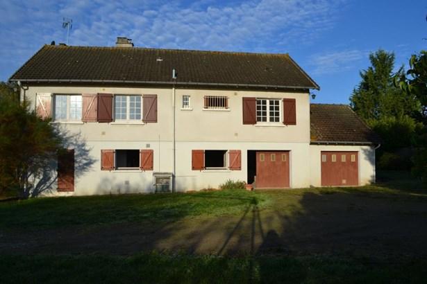 La Trimouille - FRA (photo 1)