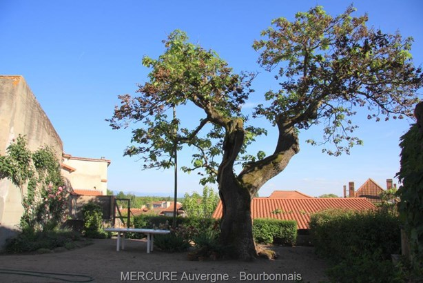 Maringues - FRA (photo 2)