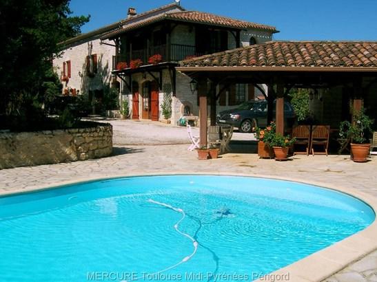 Montaigu De Quercy - FRA (photo 1)