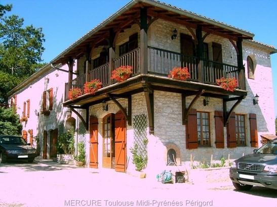 Montaigu De Quercy - FRA (photo 2)