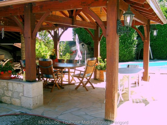 Montaigu De Quercy - FRA (photo 4)