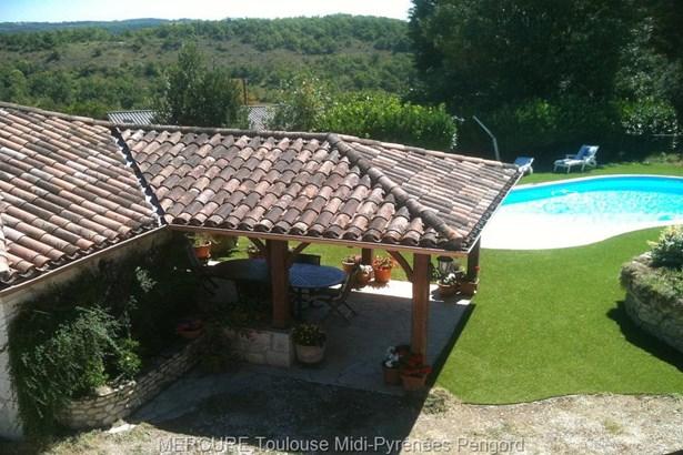 Montaigu De Quercy - FRA (photo 5)