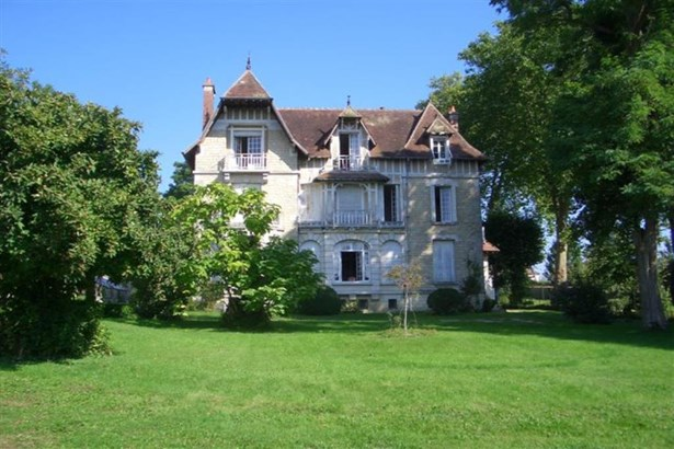 Brienon-sur-armancon - FRA (photo 2)