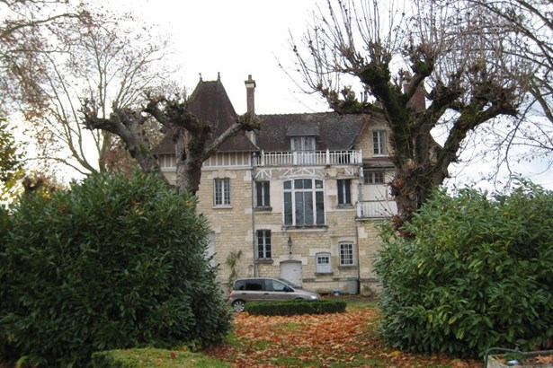 Brienon-sur-armancon - FRA (photo 3)
