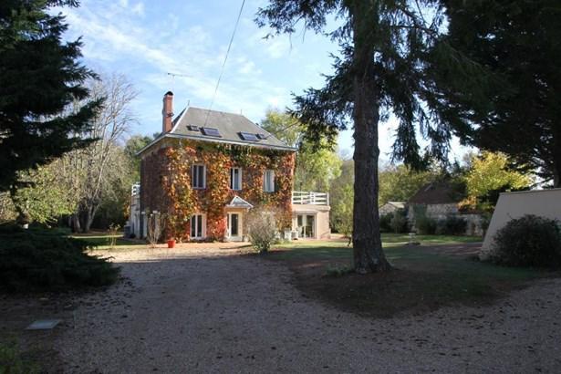 Chasseneuil Du Poitou - FRA (photo 2)