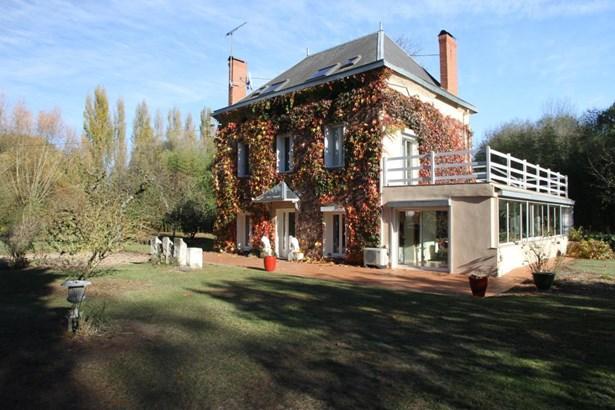 Chasseneuil Du Poitou - FRA (photo 3)