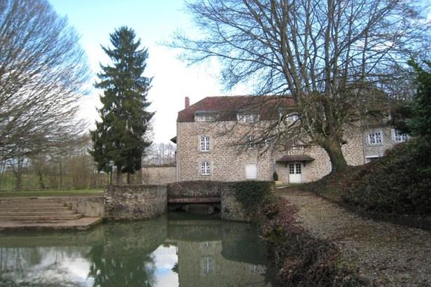 Semur En Auxois - FRA (photo 1)