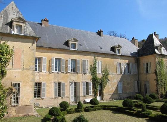 Saint Seine L'abbaye - FRA (photo 1)