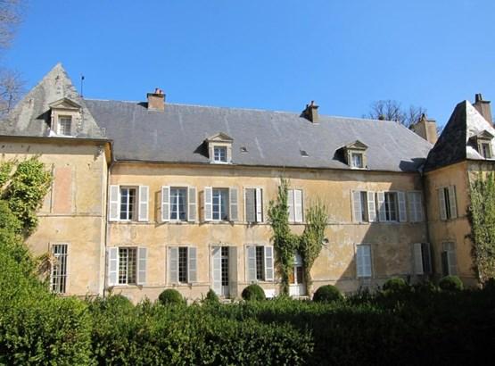 Saint Seine L'abbaye - FRA (photo 2)