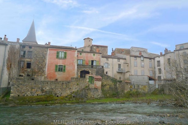 Champeix - FRA (photo 1)