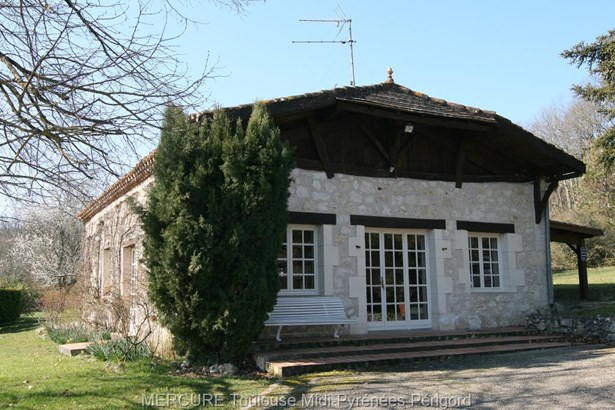 Villeneuve Sur Lot - FRA (photo 2)