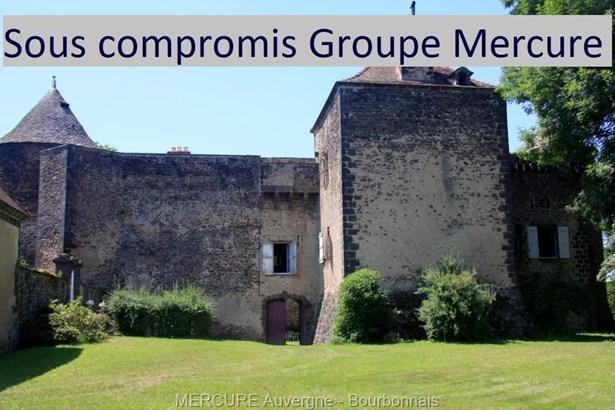 Pontgibaud - FRA (photo 1)