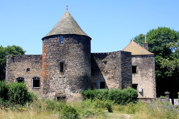 Pontgibaud - FRA (photo 2)