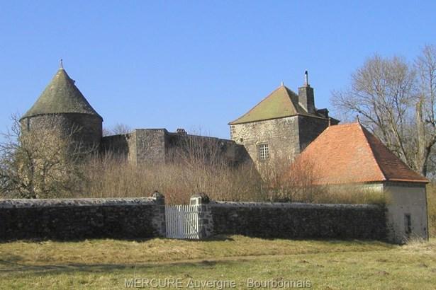 Pontgibaud - FRA (photo 4)
