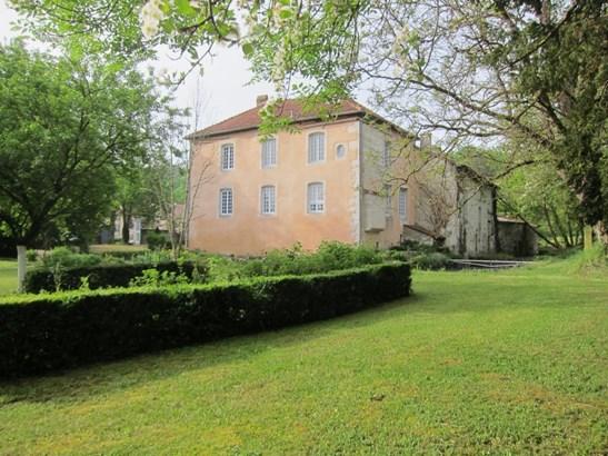 Ligny En Barrois - FRA (photo 1)