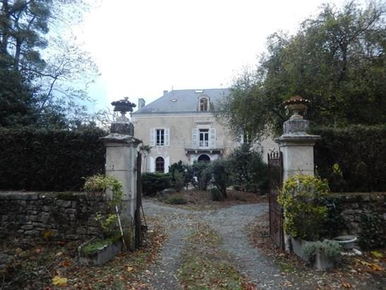 Champdeniers Saint Deni - FRA (photo 2)