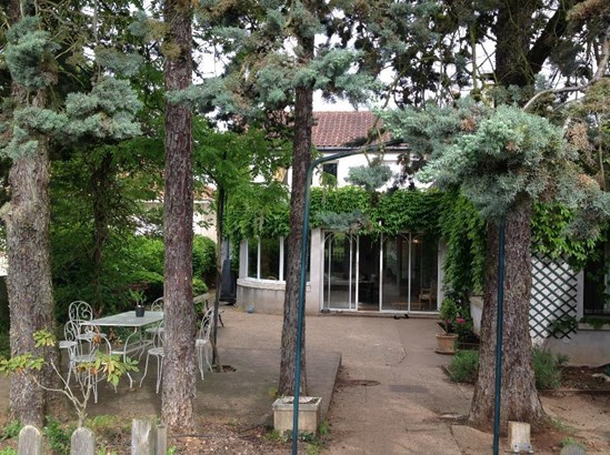 Buxerolles - FRA (photo 1)
