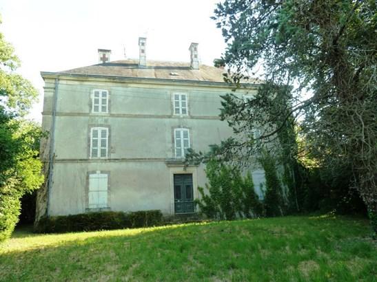 Benet - FRA (photo 1)