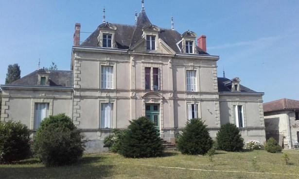 Argenton Les Vallees - FRA (photo 4)