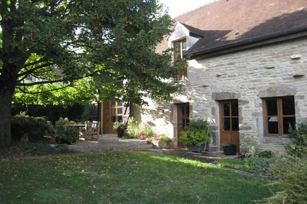 Pouilly En Auxois - FRA (photo 1)