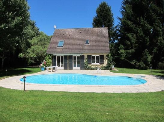 Joigny - FRA (photo 2)