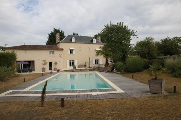 Vouillé - FRA (photo 1)