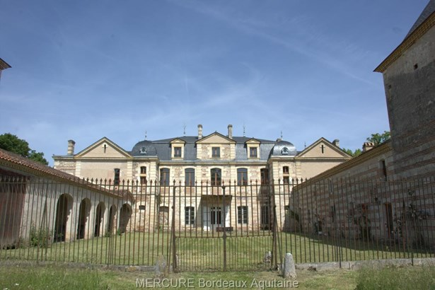 Clairac - FRA (photo 1)