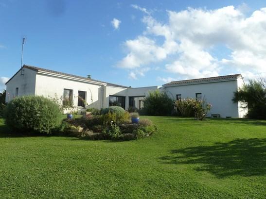 Saint Maixent L'école - FRA (photo 2)