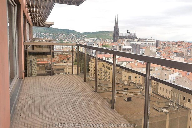 Clermont-ferrand - FRA (photo 2)