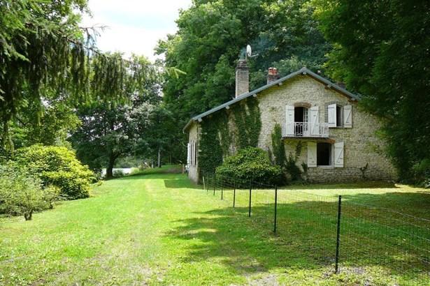 Dampierre - FRA (photo 2)