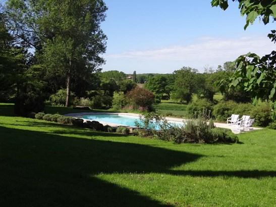 Bourg-en-bresse - FRA (photo 4)