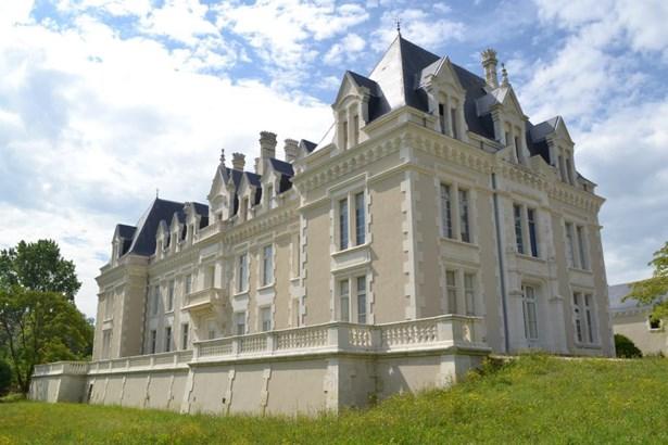 Cognac - FRA (photo 1)