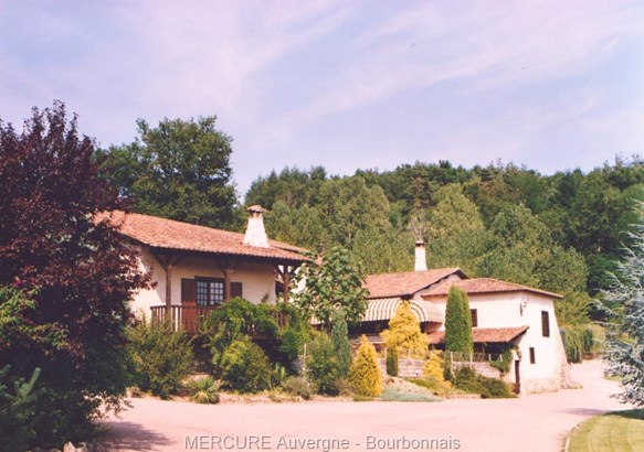 Courpiere - FRA (photo 2)