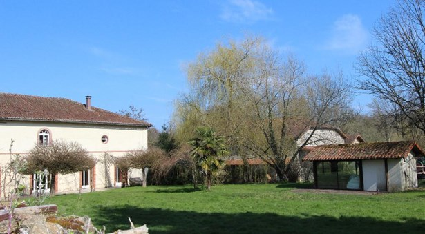 Saint Junien - FRA (photo 2)