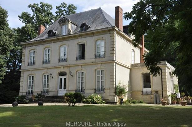 Chazay-d'azergues - FRA (photo 1)