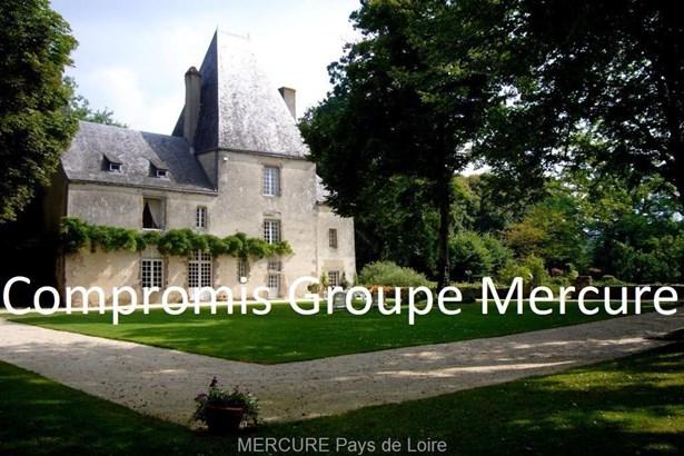 Montsurs - FRA (photo 1)
