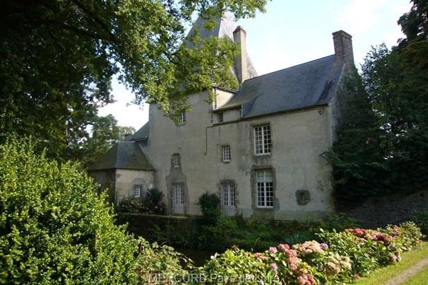 Montsurs - FRA (photo 3)