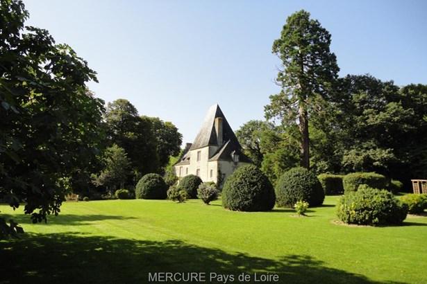 Montsurs - FRA (photo 4)