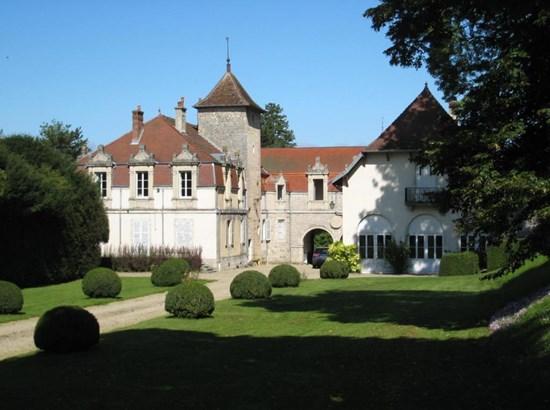 Arbois - FRA (photo 1)