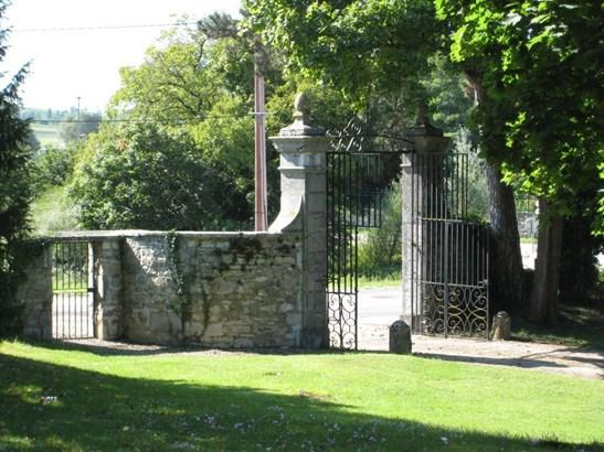 Arbois - FRA (photo 5)