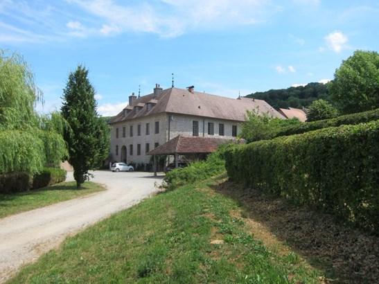 Arbois - FRA (photo 2)