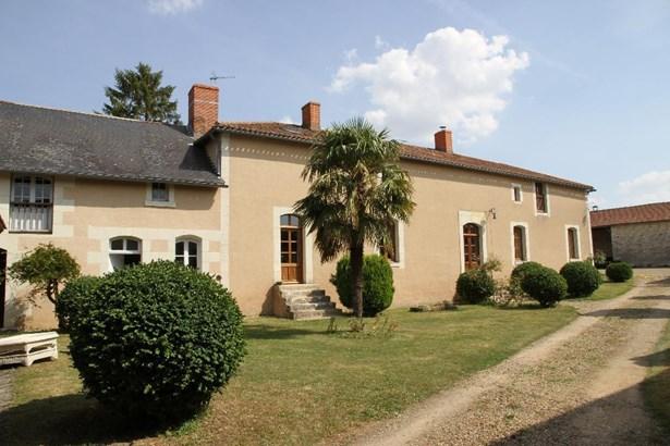 Chinon - FRA (photo 1)