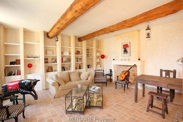Arles - FRA (photo 5)