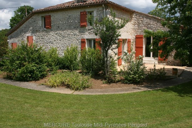 Villeneuve Sur Lot - FRA (photo 2)