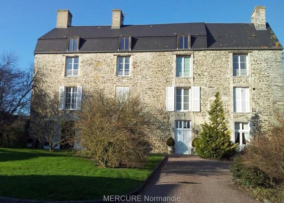 Thury Harcourt - FRA (photo 1)